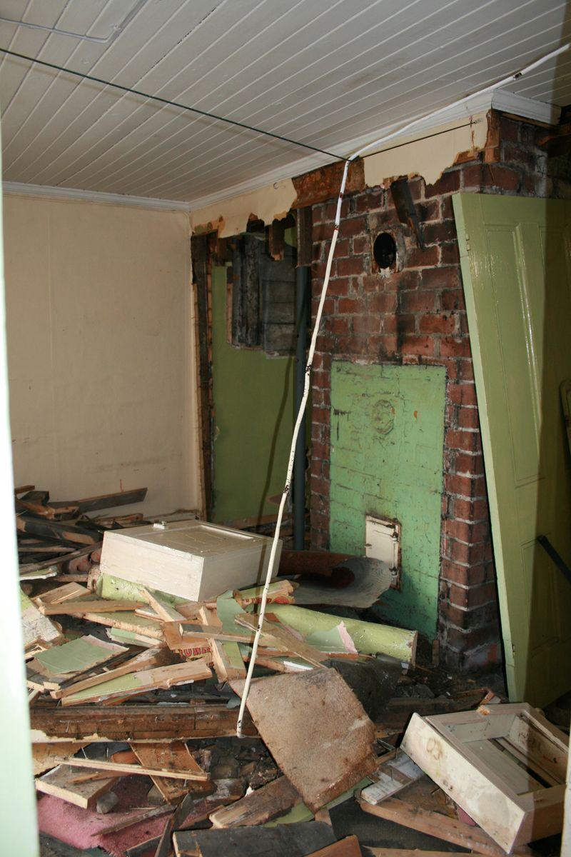 Cream room chimney